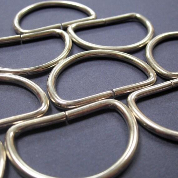 10 Medium Silver Tone D Rings