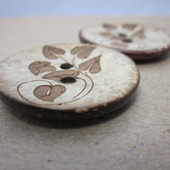 Leaf Pattern Coconut Shell Buttons