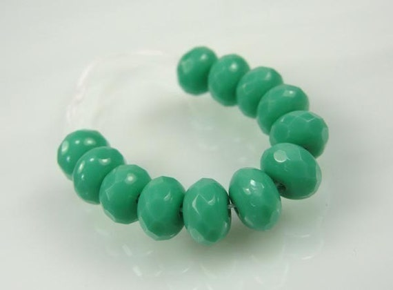 TURQUOISE faceted Czech glass 7x5mm rondelle Beads---12