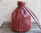 vintage rustic leather drawstring purse // zip pouch brass hardware