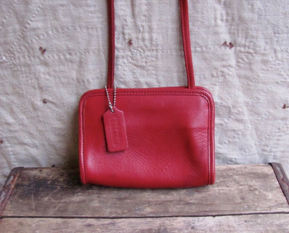 vintage 1990s small COACH purse // HOLLY BERRY red