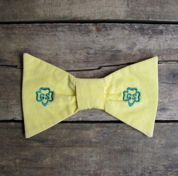 vintage 1960s Girl Scouts uniform bow tie pin