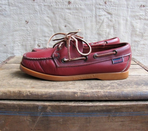 vintage 1970s Docksides boat shoes // maroon leather // w 6