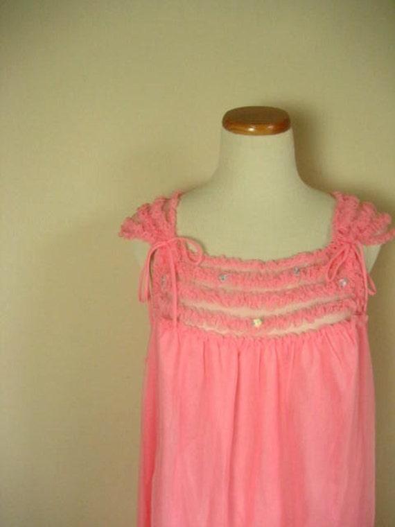 Vintage Bright Pink Nylon Sleeveless Ruffled Nightgown- Size L