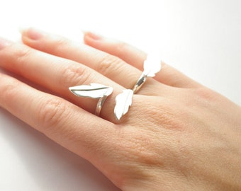 Daphne (three leaf ring)