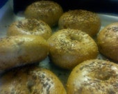 bacon, sun-dried tomato and garlic bagels - order of 13 - bakers dozen