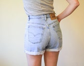VINTAGE 80s Levi high waisted festival denim short shorts S M