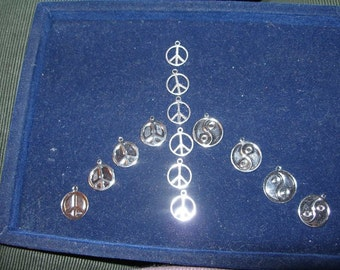 Charms pendants (14) Peace sign and yin-yang     TeamESST,  OlympiaEtsy, etsyBuddhists,  WWWG, paganteam, CouchSurfingTeam
