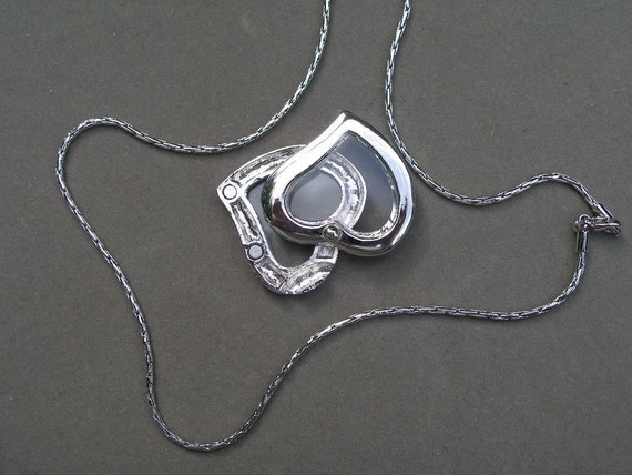 Heart locket, silver, see-through, floating charm holder, slide-in chain, magnetic latch  Team ESST, WWWG,  olyteam, paganteam