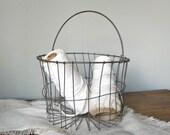 Vintage wire metal basket - use for eggs farmers market or easter basket