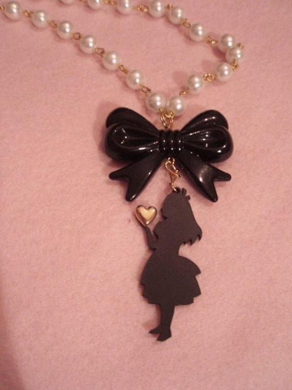 Alice In Wonderland Silhouette Elegant Couture Bow Pearl Necklace