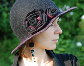 Black hat with flower, handfelted made of wool MADE TO ORDER