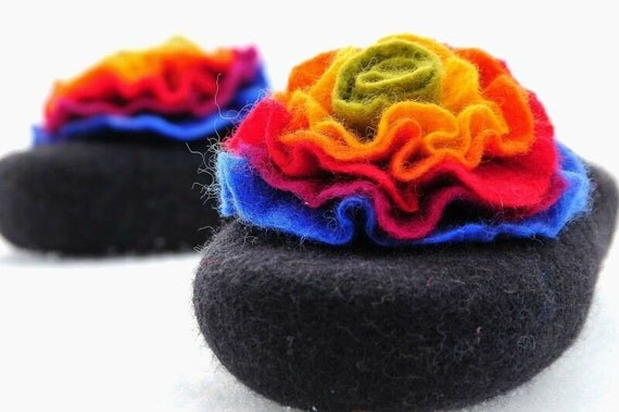Black felted slippers with colorful flower, HANDMADE TO ORDER