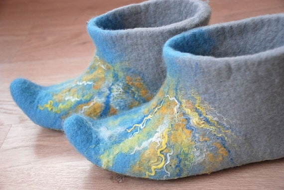 Aqua handfelted slippers/ home shoes, size 37-38, Us 7-8-  READY TO SHIP