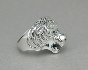 Tiger Ring in Sterling Silver - Free Shipping in the USA