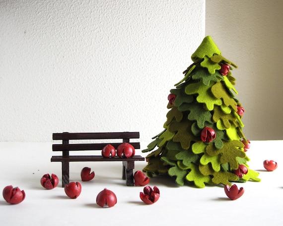Christmas Tree. Fir with bench. Felt decoration.