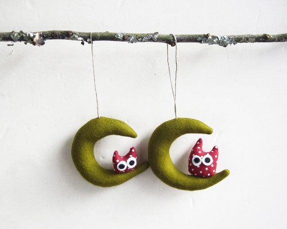 Christmas ornament. Two dark green Moons with owl. Felt Decoration wall hanging.