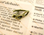Glasses charm - Antique Brass - small Charm - 18 x 10mm - Set of 10 SE058