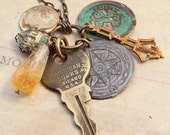 Hedetet - Reclaimed Vintage Charm Necklace - Luckie no.7 - Found Objects