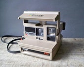 Polaroid 600 Land Camera. Amigo 620. Great Condition.