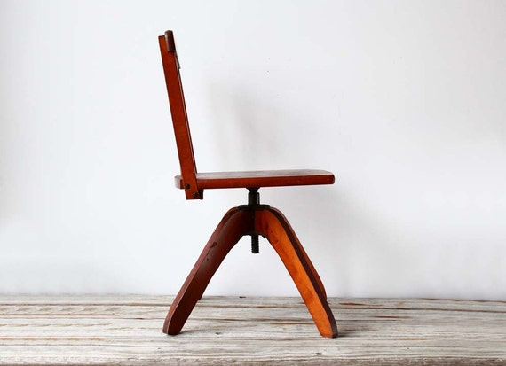 r e s e r v e d Modern Child's Desk Chair