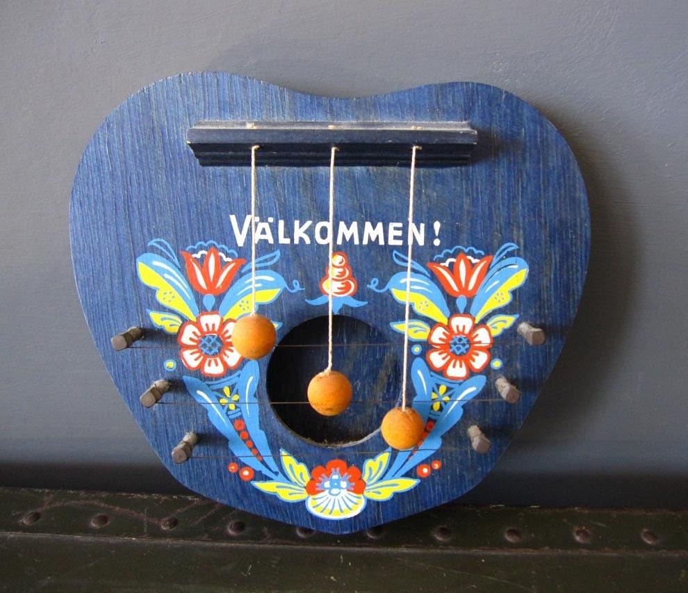Valkommen Scandinavian Welcome Door Harp