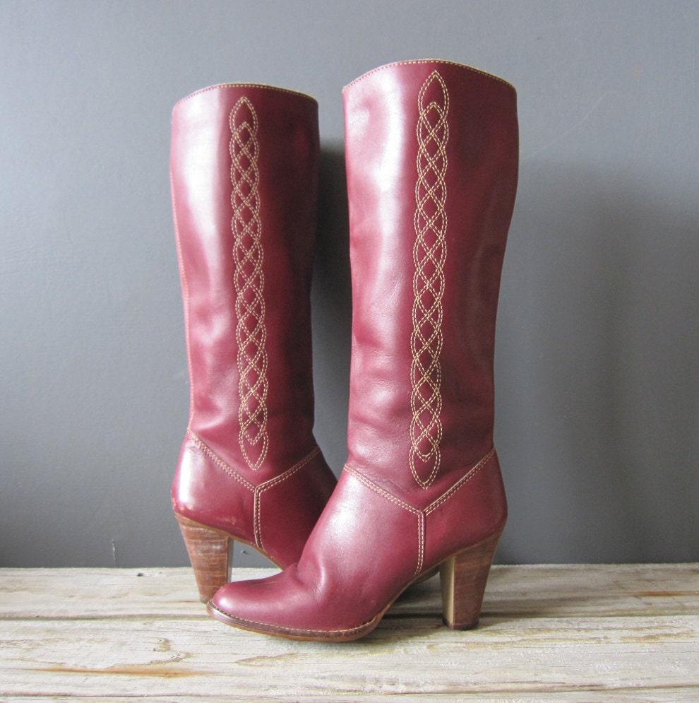 knee high leather burgundy boots 8 8 5 by gallivantinggirls