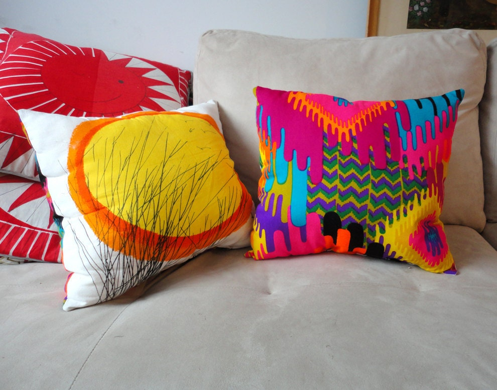 Modern Vera Neumann Graphic Pillow by GallivantingGirls on Etsy