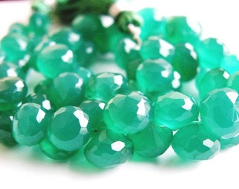 Green Onyx Gemstone Briolette AAA Faceted Onion 6.5mm 26 beads 1/2 Strand