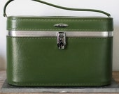 VINTAGE Moss Olive Green TRAIN CASE Pick Your Poison Luggage