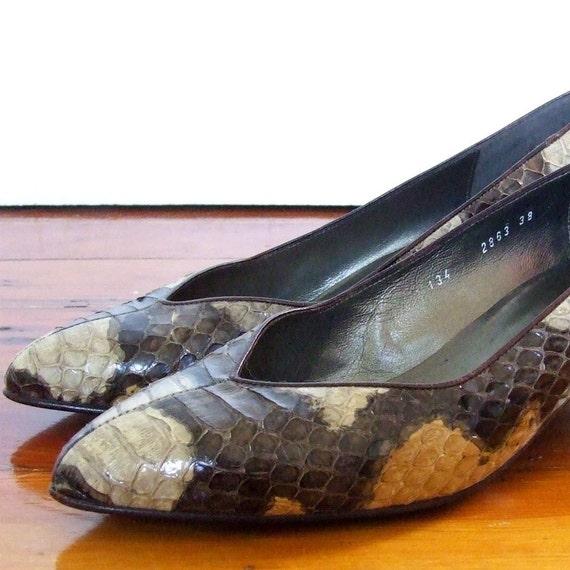 SALE - Vintage 80's Italian Mid Heel Snakeskin Pumps - Eur 38 \/size 7.5