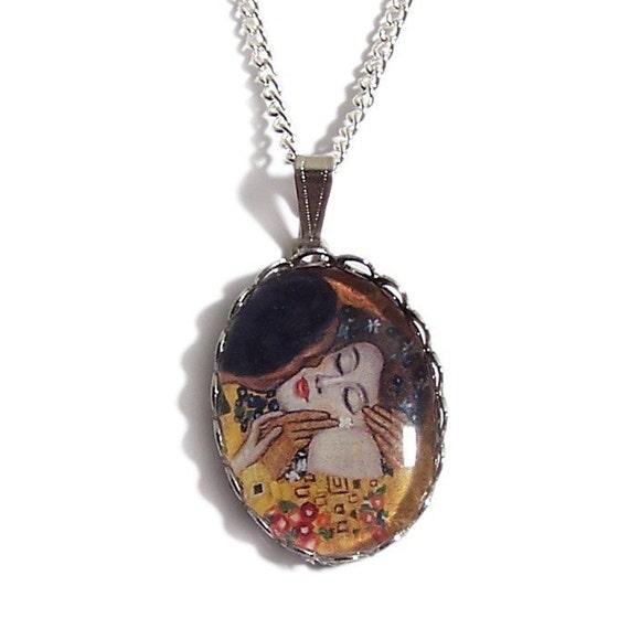 THE KISS Gustav Klimt romantic necklace pendant
