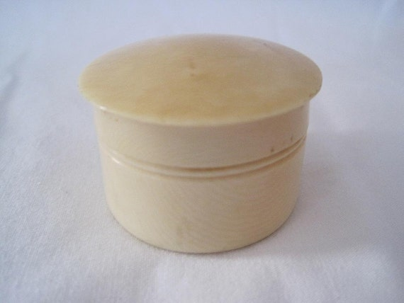 Vintage Box - Celluloid Vanity Rouge Pot