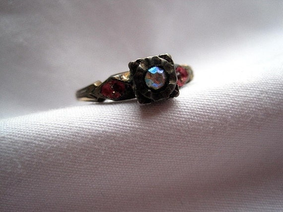 Vintage Ring - Art Deco Rhinestone