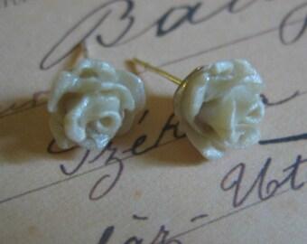 Elegant Pearl White Rose Earrings