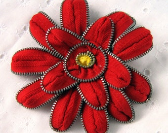 Red Zinnia Zipper Pin & Hair Clip