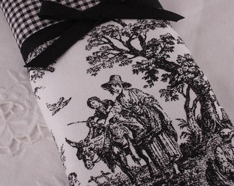Jamestown Country Toile Eyeglass, iPod, Sunglass or gadget holder in Black and White