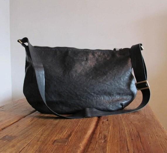 Hand Stitched Simple Leather Round Messenger / Shoulder Bag - Black -