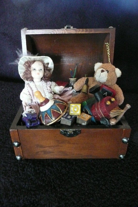 Musical miniature toy box from Grandma's Attic