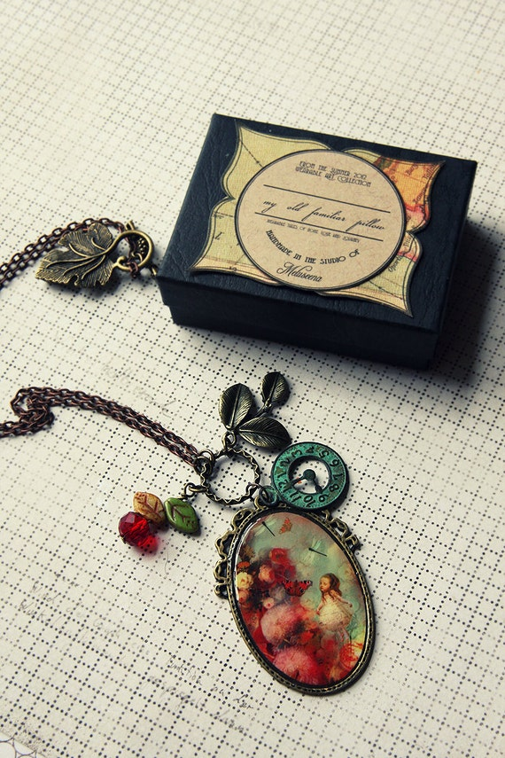 Alice and the Flowers large necklace - Wearable Art Meluseena