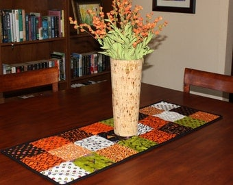 Halloween Table Runner, Trick or Treat, Quilted TableRunner, Quilt