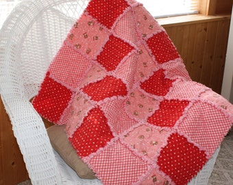 Flannel Rag Quilt, Baby Quilt, Girl Blanket, Peachy Keen, Pink, Red, Kittens, Cats, Soft