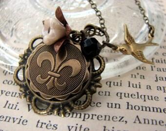 Fleur-De-Lis Necklace - Je Me Souviens French Charm Symbol Pendant Necklace
