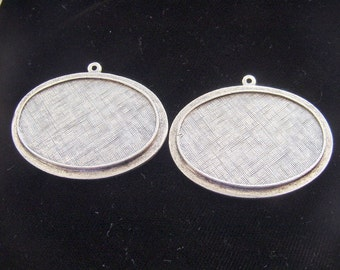 2 Pieces Antique Silver Plated Pewter Raised Oval Pendant Tray (No. ND133)
