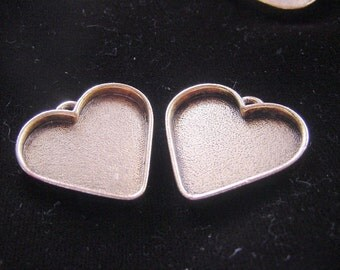 2 Heart Pendant Trays Large Gold Plated Pewter (No. ND130) 1-3/16x1-1/8 Inch (26x31)