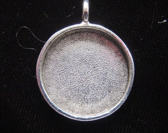 4 Pewter Pendant Blanks Large Round Silver Plated  (No. ND104) 13/16 Inch (23mm)