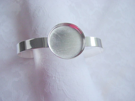 Round Circle Banded Cuff Bracelet Tray Silver Overlay (AI242) CLOSEOUT CLEARANCE
