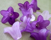 Frosted Lucite 5 Petal Flowers in Shades of Purple 20x13mm (12 pieces)