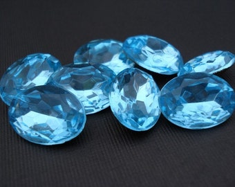 Vintage 25x18mm Aquamarine Oval Gold Foiled Pointed Back Faceted Glass Jewel  (1 piece)