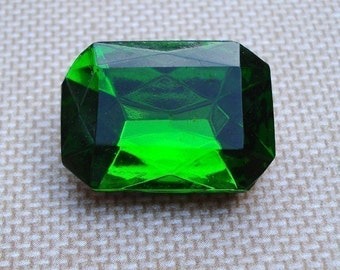 Vintage18x13mm Dark Peridot Octagon Gold Foiled Back Faceted Glass Rhinestone Jewels (2 pieces)